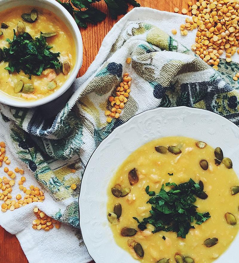 Суп-пюре из сельдерея и гороха с семгой
