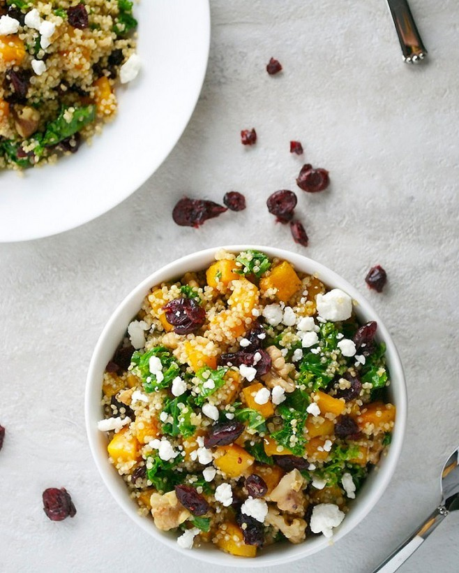Pumpkin salad with quinoa and goat cheese